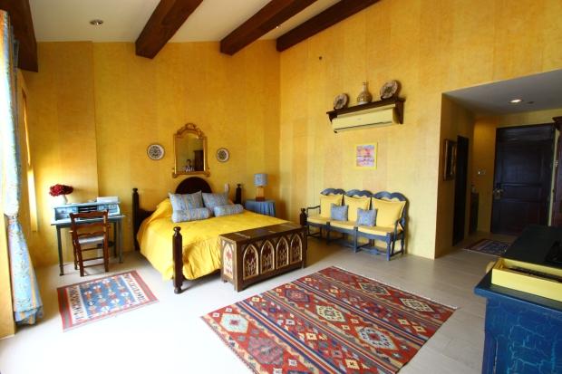 St. Tropez rooms, Balesin