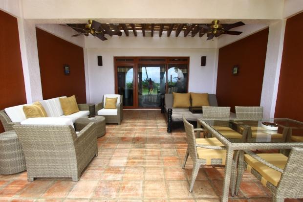 Balesin Resort, Spanish